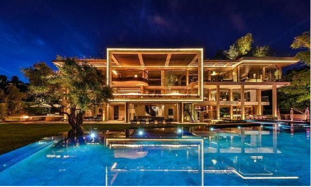 Luxury home fit for a lottery winner