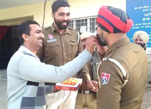 Punjab constable celebrate his lottery win