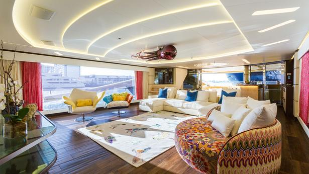 Take A Tour On The Khalilah Super Yacht